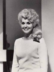Photo of Donna Douglas
