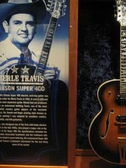 Photo of Merle Travis