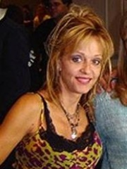 Photo of Linnea Quigley