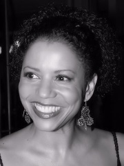 Photo of Gloria Reuben