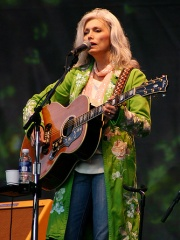 Photo of Emmylou Harris