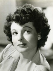Photo of Ruth Hussey
