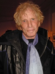 Photo of Dennis Oppenheim