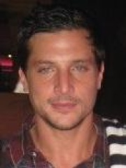 Photo of Simon Rex