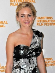 Photo of Britt Robertson