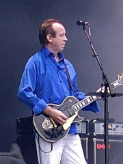 Photo of Phil Manzanera