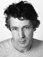 Photo of Aidan Gillen
