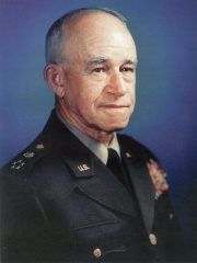 Photo of Omar Bradley