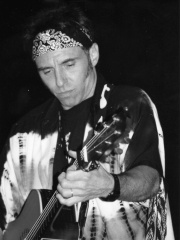 Photo of Nils Lofgren