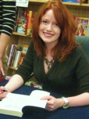 Photo of Richelle Mead