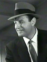 Photo of Brad Dexter
