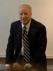 Photo of George Akerlof