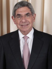 Photo of Óscar Arias