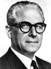 Photo of Giovanni Gronchi