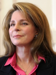 Photo of Queen Noor of Jordan