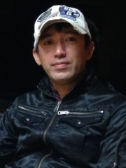 Photo of Shinji Mikami