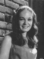 Photo of Elizabeth Hartman