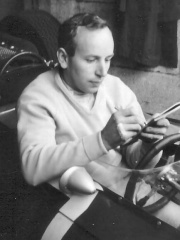Photo of John Surtees