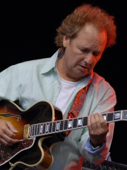 Photo of Lee Ritenour