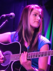 Photo of Cassadee Pope