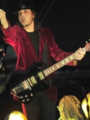 Photo of Daron Malakian