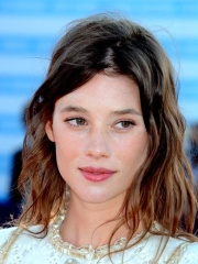 Photo of Àstrid Bergès-Frisbey