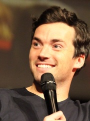 Photo of Ian Harding
