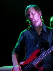 Photo of Nate Mendel