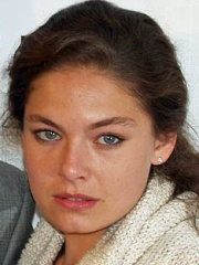 Photo of Alexa Davalos