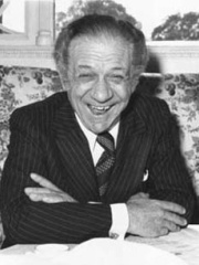 Photo of Sid James