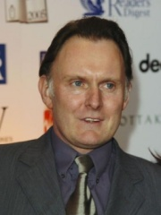 Photo of Robert Glenister