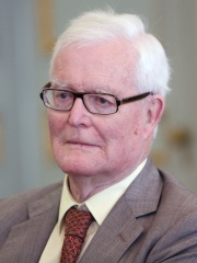 Photo of Douglas Hurd