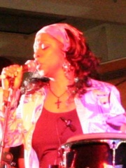 Photo of Regina Belle