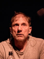 Photo of Simon McBurney
