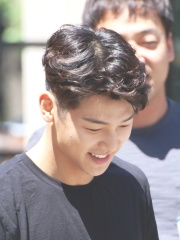 Photo of Kang Min-hyuk