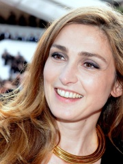 Photo of Julie Gayet