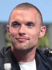 Photo of Ed Skrein