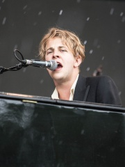 Photo of Tom Odell