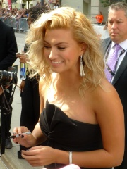 Photo of Tori Kelly