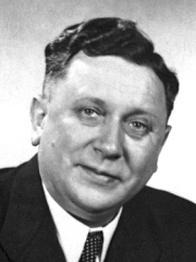 Photo of Kurt Alder