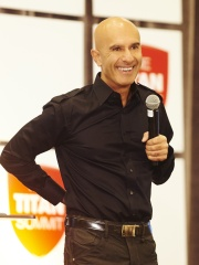 Photo of Robin Sharma