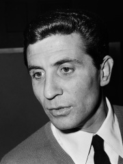 Photo of Gilbert Bécaud