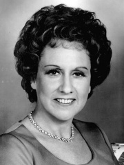 Photo of Jean Stapleton