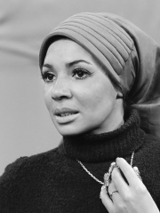 Photo of Shirley Bassey