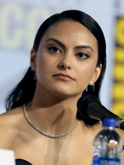 Photo of Camila Mendes