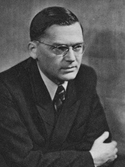 Photo of Aleksander Zawadzki