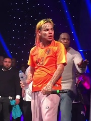Photo of 6ix9ine