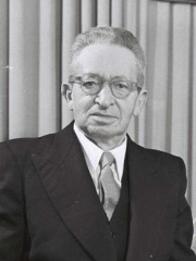 Photo of Yitzhak Ben-Zvi