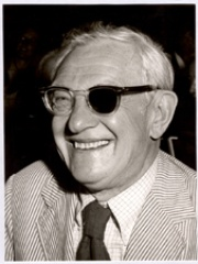 Photo of Julius Axelrod