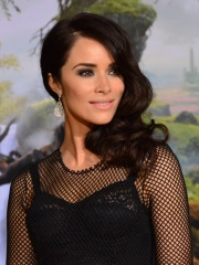 Photo of Abigail Spencer